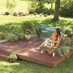Backyard Decks: Build an Island Deck Create a comfortable retreat anywhere in your yard with a ground level deck. Backyard Patio, Backyard Landscaping, Landscaping Ideas, Florida Landscaping, Rustic Backyard, Wood Patio, Island Deck, Small Island, Deck Footings