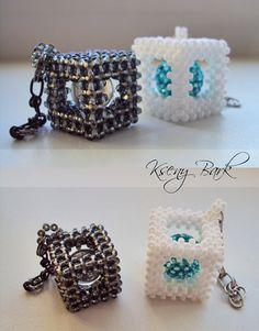 Balls in cubes. Beaded Crafts, Beaded Ornaments, Bead Crochet Patterns, Beading Patterns, Beading Projects, Beading Tutorials, Bead Jewellery, Beaded Jewelry, Jewelry Box