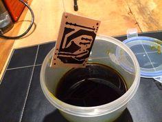 Placa de circuito impresso pronta para iniciar corrosão por percloreto de ferro