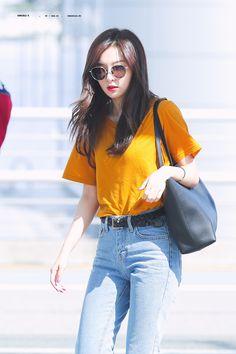 red velvet — Sensible K Fashion Idol, Dance Fashion, Fashion 101, Kpop Fashion, Minimal Fashion, Korean Fashion, Fashion Outfits, Airport Fashion, Sooyoung