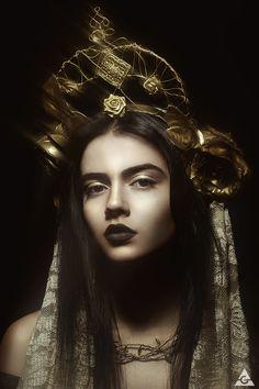 Model: Evelyn MUA, headdress & stylist: Mirsea www.facebook.com/MirseasWonder… Assistant: Aleko Palyov Photo & retouch: A. Glaskova www.facebook.com/AntoniaGlasko…