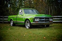 1970 GMC truck that I like.  I would so drive this! <3 it