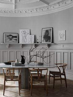 Dining Room Design, Dining Room Furniture, Dining Room Table, Table And Chairs, A Table, Dining Chairs, Minimalist Dining Room, Diy Home Decor, Room Decor