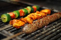 How to eat at barbecues for people with type 2 diabetes. Best barbecue drinks and food.