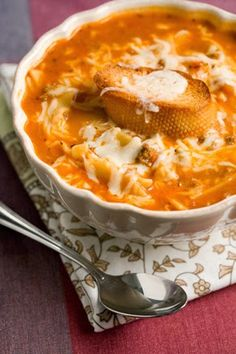 Lasagna soup: SO AMAZING!!! Changes - 1 cup chicken broth, Italian Pork Sausage.