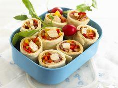 Wraps met kip en paprika - Libelle Lekker! Lunch Snacks, Lunches, Essen To Go, Tasty, Yummy Food, Egg Dish, Dinner Is Served, Eat Smarter, I Love Food