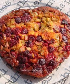 Rabarbra og bringebær tarte tatin | Tones kaker Pepperoni, Quiche, Pizza, Breakfast, Food, Tarte Tatin, Morning Coffee, Meal, Essen