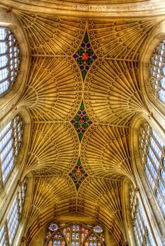 Vaulted Ceiling Of Bath Abbey, England. Best cathedral in england, in my opinion. Architecture Antique, Beautiful Architecture, Beautiful Buildings, Art And Architecture, Architecture Details, Beautiful Places, Russian Architecture, Beautiful Pictures, Cathedral Church