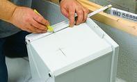 Schritt 5 Plastic Cutting Board, Vanity Basin, Pipes