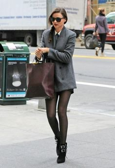Miranda Kerr can really pull off the shorts and tights look.