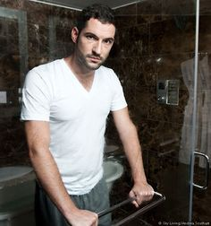 Tom Ellis (Miranda) Actors Male, Actors & Actresses, Tom Ellis Lucifer, Dan Stevens, Taylor Kinney, Guy Names, Favorite Tv Shows, Beautiful Men, Sexy Men
