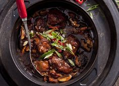 Bubbling pot ... Chinese braised chicken.