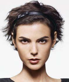 I'm in the first stages of growing my short-short hair out.  This might be something I could do - Ear- to Chin-Len  Flip your head over and quickly blast it with a dryer; tousle with your fingers.    Push a thin headband 1 to 2 inches back into the hair. (Or cover your hairline with a thicker band to camouflage oily roots.) Tease hair behind the ...