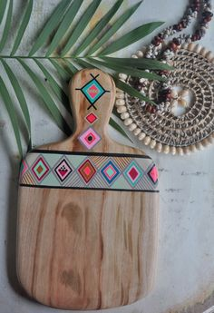 Jun 2016 - Handcrafted and -painted timber serving boards and spoons by artist Millie Fairhall. What a beautiful work! Have a look her on BohemianDiesel Fun Crafts, Diy And Crafts, Arts And Crafts, Bohemian Living, Boho, Newlywed Gifts, Home And Deco, Decoration, Diy Home Decor