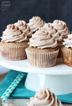 Sugar Swirl Cupcakes Cinnamon Sugar Swirl Cupcakes - layers of cinnamon swirled in the cupcake and cinnamon sugar icing!Cinnamon Sugar Swirl Cupcakes - layers of cinnamon swirled in the cupcake and cinnamon sugar icing! Cinnamon Cupcakes, Swirl Cupcakes, Yummy Cupcakes, Cupcake Cakes, Cupcake Emoji, Snickerdoodle Cupcakes, Vanilla Cupcakes, Chocolate Cupcakes, Cupcake Recipes