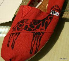 giraffe toms. NEED!