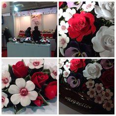 nieuwe collectie 2014 met veel rood en wit Salon Funeraire Parijs november 2013 Collection nouvelle 2014 Fleurs Ceramiques New collection of colours for the Famous French Ceramic Flowers