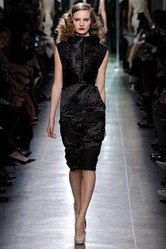 BOTTEGA VENETA FALL 2013 COLLECTION. NOTE: The artistic level of Bottega Veneta at its best!