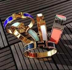Discovered by Find images and videos about accessories, bracelet and hermes on We Heart It - the app to get lost in what you love. Cute Jewelry, Jewelry Box, Jewelery, Jewelry Watches, Jewelry Accessories, Fashion Accessories, Hermes Jewelry, Bracelet Hermès, Hermes Bracelet