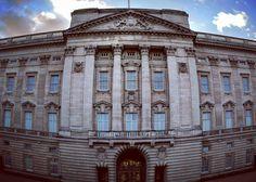 Buckingham Palace #marcosphotos @AppLetstag #buckinghampalace #london #england #uk #queen #travel #royal #city #architecture #followme #like4like #followforfollow #follow4follow #instalike #instagood #l4l #picoftheday #photooftheday #instafollow #cute #instasize #likesforlikes #photographer #nikon #photograph #art #beautiful #sky #amazing by marcos.photos