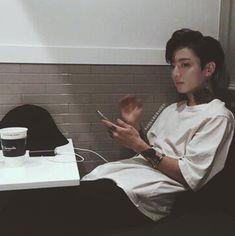 Jungkook is Taehyung's boyfriend however. He cheats on him He bullies him He abuses him Taehyung is a bullied nerd. Jungkook is a popular fuckboy. Foto Jungkook, Foto Bts, Jungkook Hot, Jungkook Fanart, Bts Photo, Vkook Fanart, Jhope, Jikook, Punk Edits