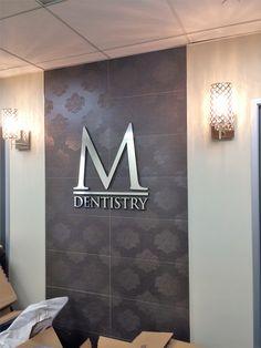 Ideas for medical clinic reception logos Office Door Signs, Office Moving, Dental Logo, Exterior Signage, Dental Office Design, Reception Signs, Clinic Design, Sign Company, Office Walls
