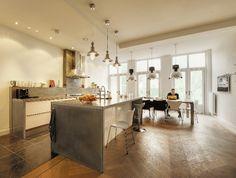 Keuken met werkblad van beton gecombineerd met natuursteen en hout van Betonkeuken.nl #keuken
