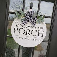 Wooden Door Signs, Wooden Door Hangers, Chalk Crafts, Wood Crafts, Wood Wreath, Door Tags, Wood Circles, Cricut Craft Room, Silhouette Cameo Projects
