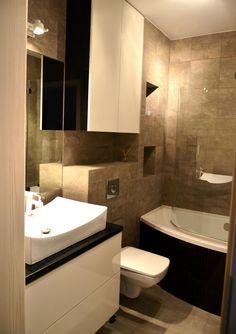 Mała łazienka w bloku. Little bathroom in block of flats.