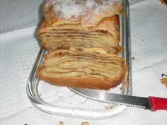 FOLAR DE OLHÃO - CANELA NA COZINHA Portuguese Recipes, Portuguese Food, Algarve, French Toast, Sweet Home, Cupcakes, Bread, Breakfast, Desserts