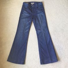 NWOT William Rast Esmeralda Jeans Brand new, never worn. Gorgeous stitching on back pockets. Jeans in medium wash with vintage fit flare style. Waist: 26 inches. Inseam to hem is 29 inches. ❌PAYPAL  ❌TRADES  ✅BUNDLES  ⚠️Ask me questions! ALL SALES FINAL!⚠️ William Rast Jeans Flare & Wide Leg