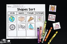 This Shapes Sort freebie is absolutely perfect for an independent or small group math center. 2d Shapes Kindergarten, Kindergarten Freebies, Third Grade Math Games, Circle Square Triangle, Shape Sort, Color Shapes, Pattern Blocks, Math Centers, Math Lessons