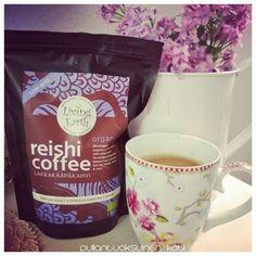 """Pullantuoksuinen koti: """"Kahvin tuoksun ma tunnen"""" - Aromikasta Lakkakääpäkahvia maistellen Aromatic reishi coffee."""