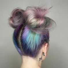Bubble effect color with space buns