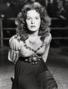 Maureen O'Hara as Esmerelda