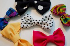 how to make bows... they would make perfect hair accessories!