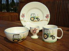 Grüner Traktor Set www.kippax.de/Geschirr/Aston-Pottery/Aston-Pottery-Traktor/
