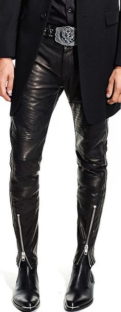 Ok, so obviously I am not a guy, but I have to say, this would look soooooo hot on a guy!!!