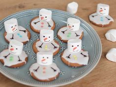 Kerstdiner school - Met deze 25 toffe kersthapjes scoor je absoluut punten bij het kerstdiner op school! Kids Christmas Treats, Xmas Food, Kids Party Treats, School Birthday Treats, Christmas Aesthetic, Food Humor, Cooking With Kids, Cupcake Cookies, Creative Food