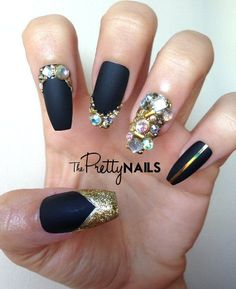 Black x Matte x Junk x Gold False Nail Set