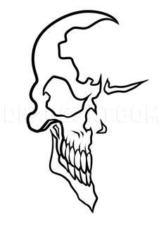 Simple Skull Drawing, Easy Skull Drawings, Outline Drawings, Cool Art Drawings, Pencil Art Drawings, Art Drawings Sketches, Skull Stencil, Tattoo Stencils, Flame Art