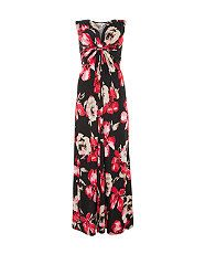 Create looks you love with New Look's dresses collection. Whether you're updating your everyday or shopping for must-have fashion styles, stock up here. On The High Street, Black Pattern, Latest Fashion For Women, Dress Collection, New Look, Ideias Fashion, Clothes For Women, My Style, Floral