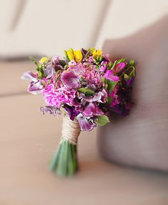 http://lflowersstudio.com/ яркий букет невесты / wedding bouquet