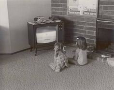 """Bill Owens— """"We'd rather play games than watch TV"""" —Suburbia Street Photography, Art Photography, Vintage Photography, Good Girls Revolt, Bill Owen, The 'burbs, Art Courses, Book Projects, Aesthetic Photo"""