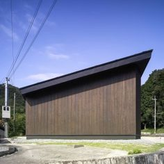 Key+Operation+completes+cedar-clad+warehouse+at+Inagawa+cemetery