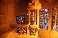 Château-Fort du Haut-Koenigsbourg - région Alsace - détail de l'escalier intérieur