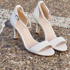 Low Basic Sandal👌  #lowheel #sandal #newin #ss17 #biancoherning #herningcity