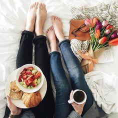 breakfast in bed - @newdarings instagram #newdarlingsTRAVEL