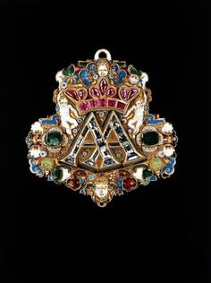 Pendant with the monogram AA for the electoral couple Anna and August of Saxony - 1548 - 1585. | © Staatliche Kunstsammlungen Dresden 2015