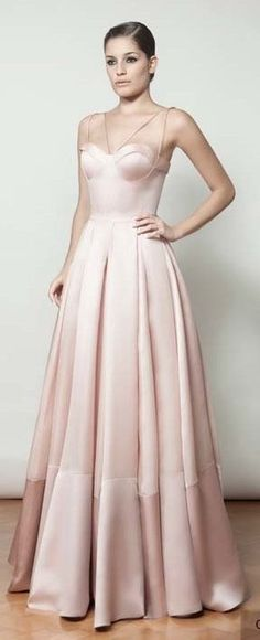 Formatura Gala Dresses, Couture Dresses, Formal Dresses, Wedding Dresses, Lovely Dresses, Beautiful Gowns, Maid Of Honour Dresses, Fancy Gowns, Dress Vestidos